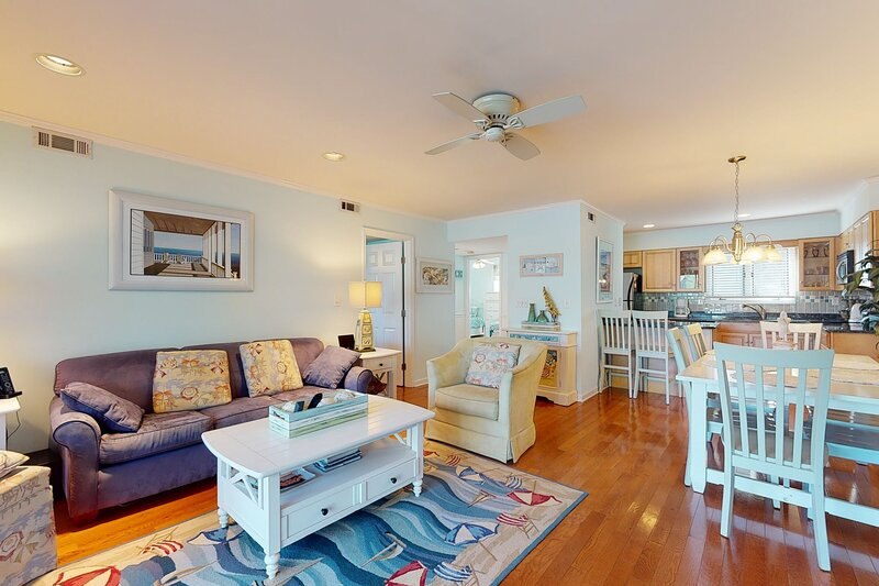 Sea Colony Tennis 1st floor condo w/ shared sauna, free WiFi, and gym, holiday rental in South Bethany