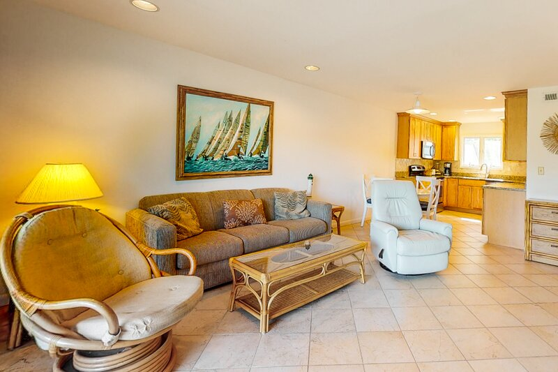 Sea Colony Tennis 1st floor condo w/ free WiFi, gym, and basketball court, holiday rental in South Bethany