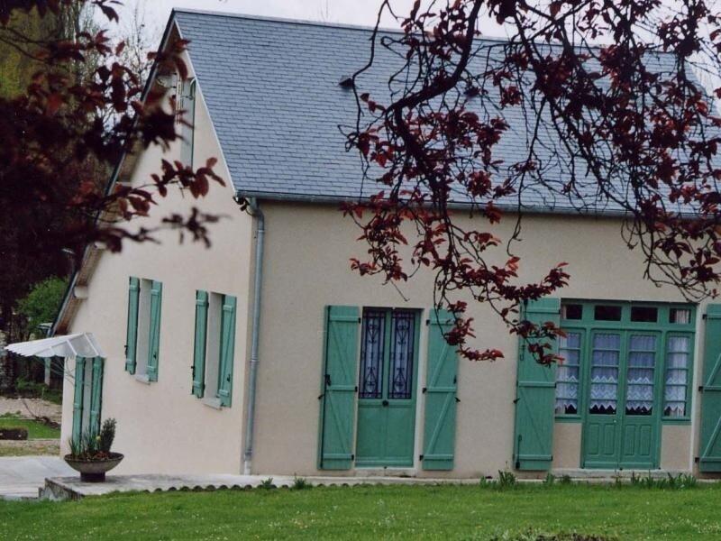 Le Bourg, vacation rental in Azay-le-Ferron