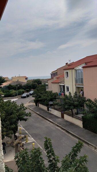 Deux pièces à proximité de la mer dans quartier calme, holiday rental in Marseillan Plage
