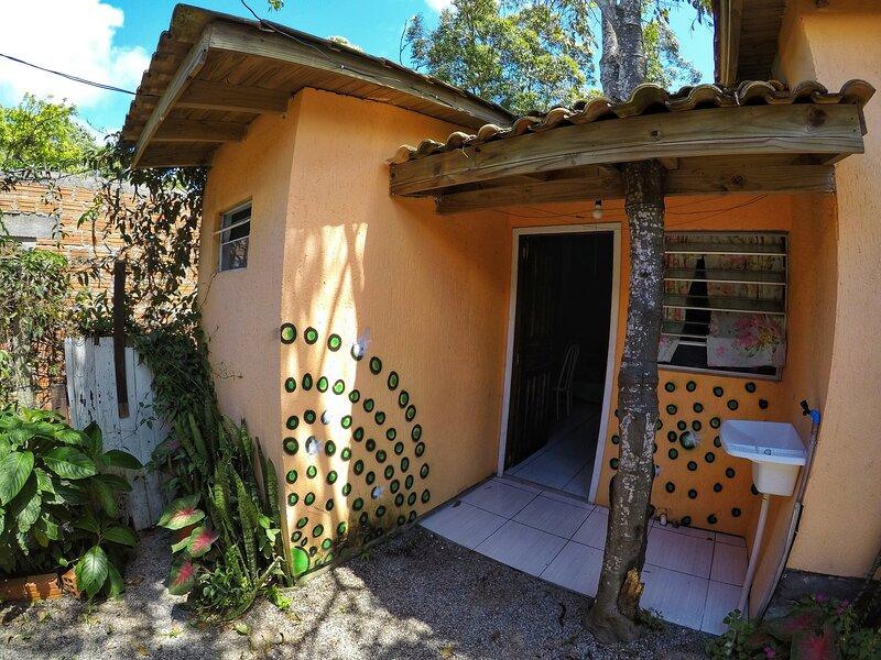 Suíte Verde 4 pessoas - Vila Maktub, holiday rental in Barra de Ibiraquera