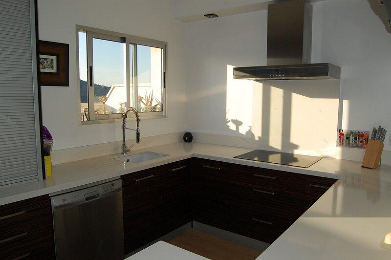 Apartamento en Pego (Alicante) 200 m2 Ático-Dúplex+100 de Terrazas, holiday rental in Adsubia