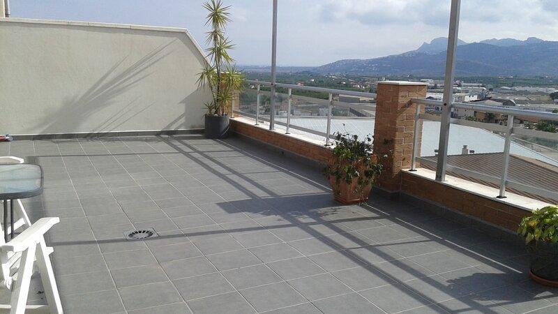Apartamento en Pego (Alicante) 200 m2 Ático-Dúplex+100 de Terrazas, holiday rental in Vall de Gallinera