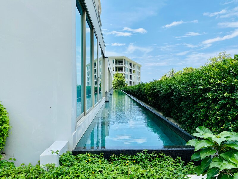 Karon Hill The Ark sea view apartment, holiday rental in Ban Khok Chang