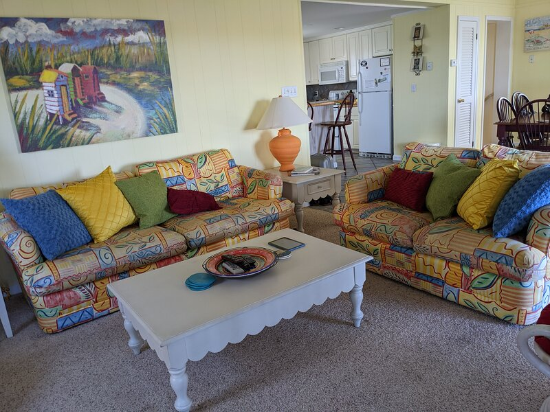 Reelin' Inn  - 4 bedroom; water view; hot tub, holiday rental in Hatteras Island