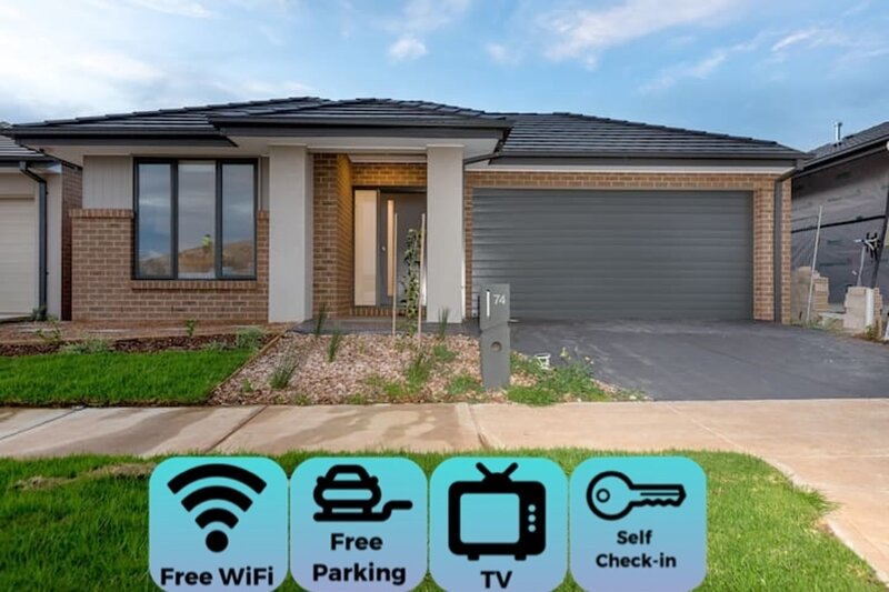 ResortStyle 4BR House with parking*Werribee, location de vacances à Point Cook