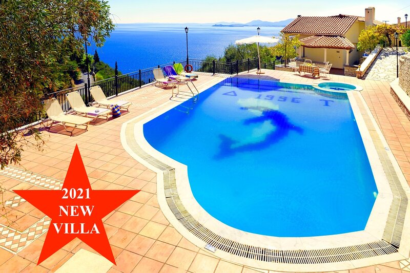 Villa Kaminaki Panorama with private pool, holiday rental in Nissaki