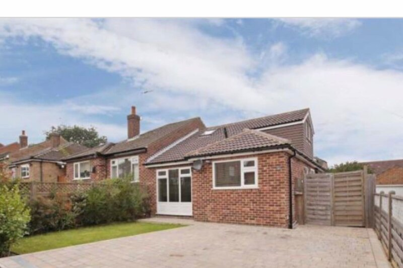 Charming 3-Bed House In Harrogate With Hot Tub, vacation rental in Markington