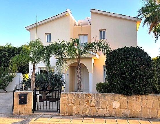Front of Villa Coralie