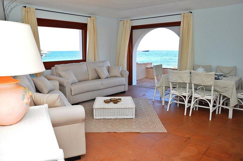 Bonbonnière Sul Mare con accesso spiaggia - Porto Cervo Costa Smeralda, holiday rental in Porto Cervo