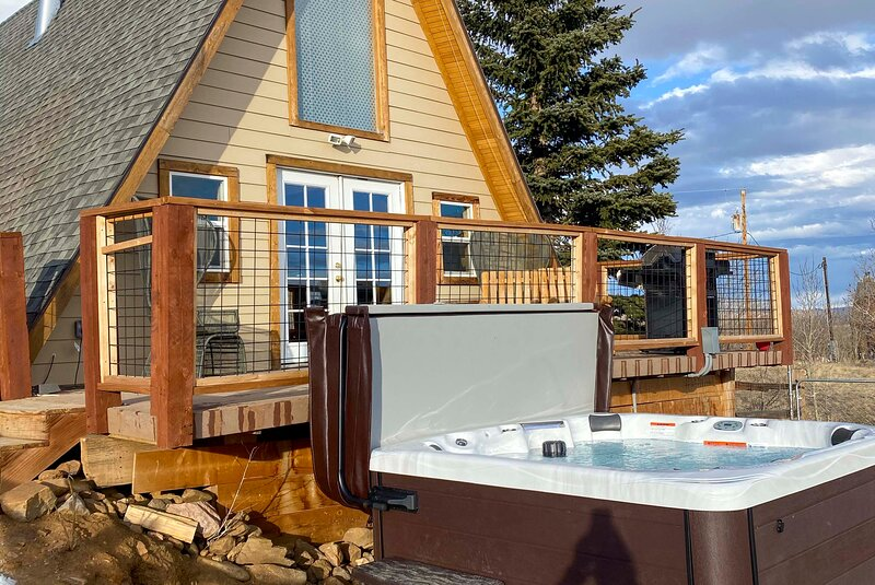 Enjoy access to this newly installed hot tub!