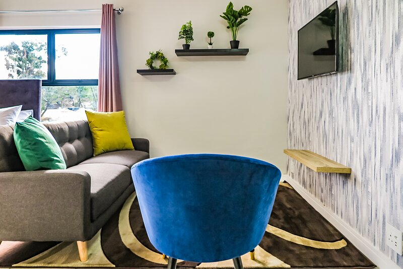 Insaka's Luxurious Apartment 1- Greenlee Lifestyle Centre, Sandton, South Africa, holiday rental in Sandton