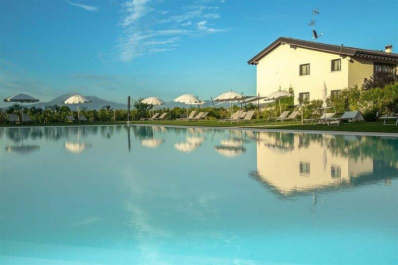 Cascina Lugana - Cascina Lugana Bilocale Blu, vacation rental in San Martino della Battaglia