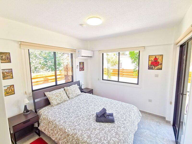 Bella Ciao Beach Apartment - 1 (2 bdr) – semesterbostad i Livadia