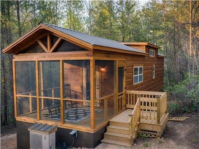 Couple's Escape-Private Outdoor Hot Tub Cabin B, holiday rental in Mill Spring