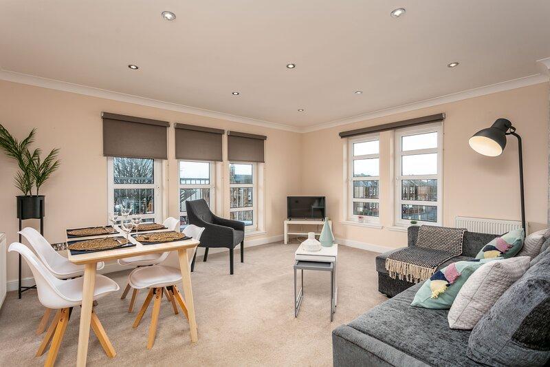 The Lucas - Donnini Apartments, aluguéis de temporada em Prestwick