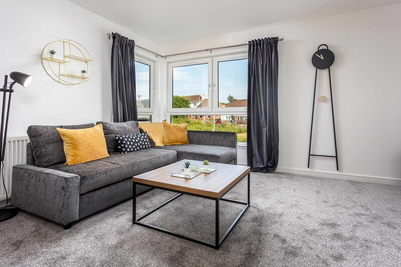 Walker Suite No82 - Donnini Apartments, holiday rental in Newmilns