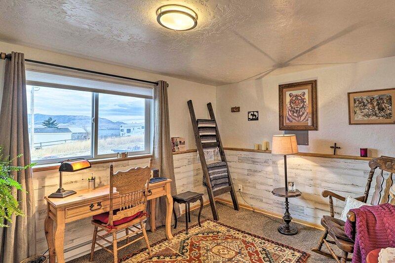 NEW! Flathead Lake-View Studio: 38 Mi to Blacktail, holiday rental in Big Arm