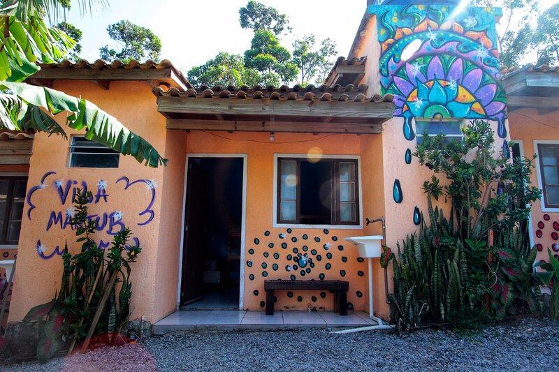 Suíte Azul 8 pessoas - Vila Maktub, location de vacances à Barra de Ibiraquera