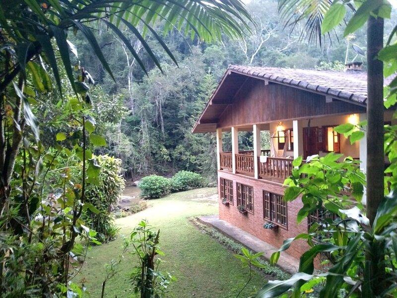 Sítio Canto das Águas - Mata Atlântica e Braço Sul do Rio Jucu, location de vacances à Alfredo Chaves