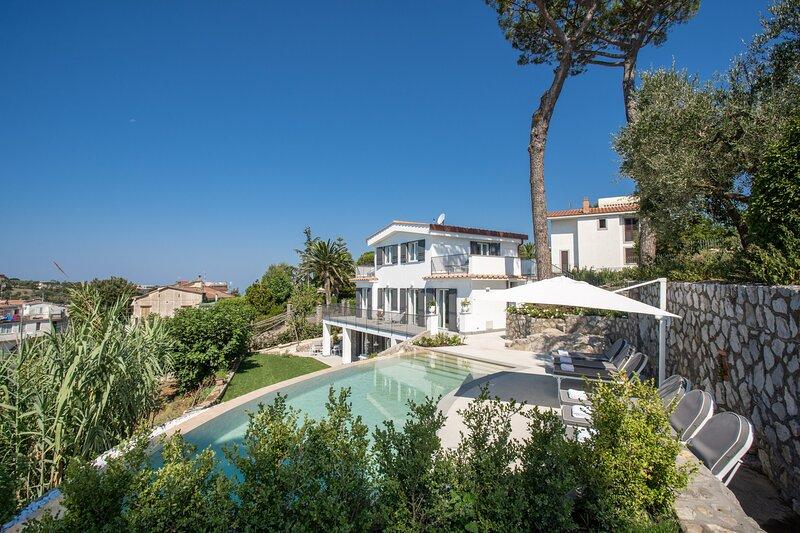 Villa Andrilla, Ferienwohnung in Sant'Agata sui Due Golfi