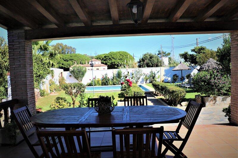 Chalet Florida con piscina, vacation rental in Los Naveros