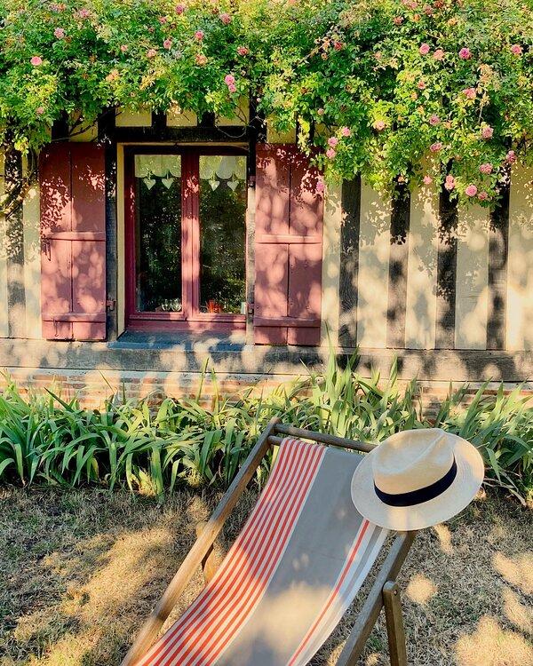 Gîte de charme en Normandie Calvados. La Blanchetière un lieu où se détendre en toute simplicité.