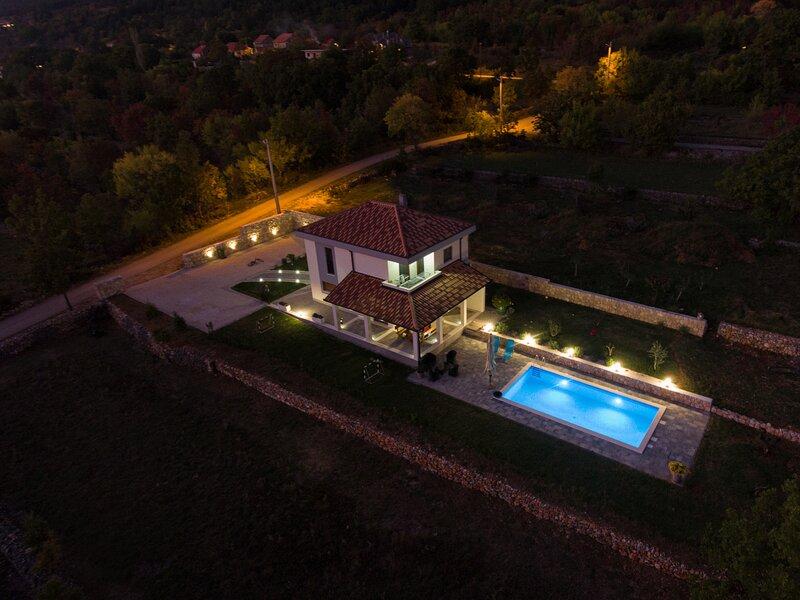 VILLA JOSIP, Cista Velika - Makarska, holiday rental in Cista Provo