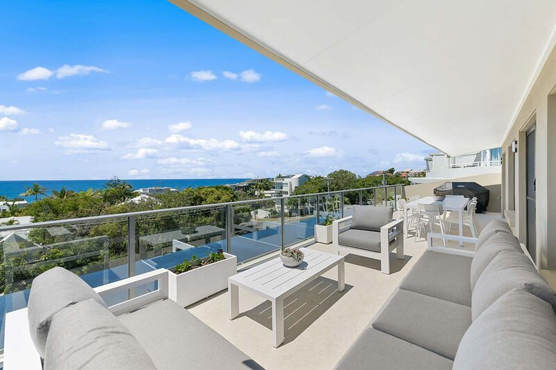 Crystal Shores Penthouse, Unit 4, Three Bedroom Apartment, holiday rental in Sunrise Beach