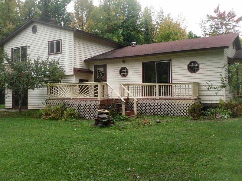 Ottawa Lodge Rental Anglers Cove, holiday rental in Bergland
