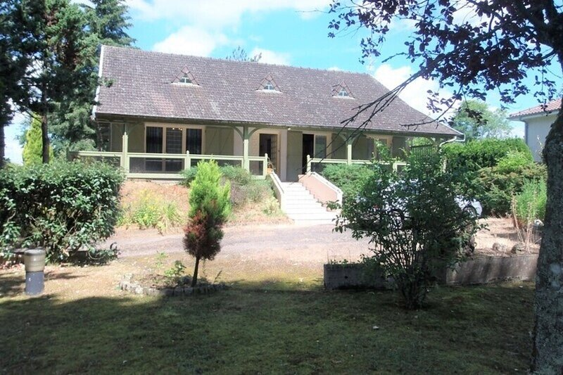 Gite Les Conifères, holiday rental in Exideuil