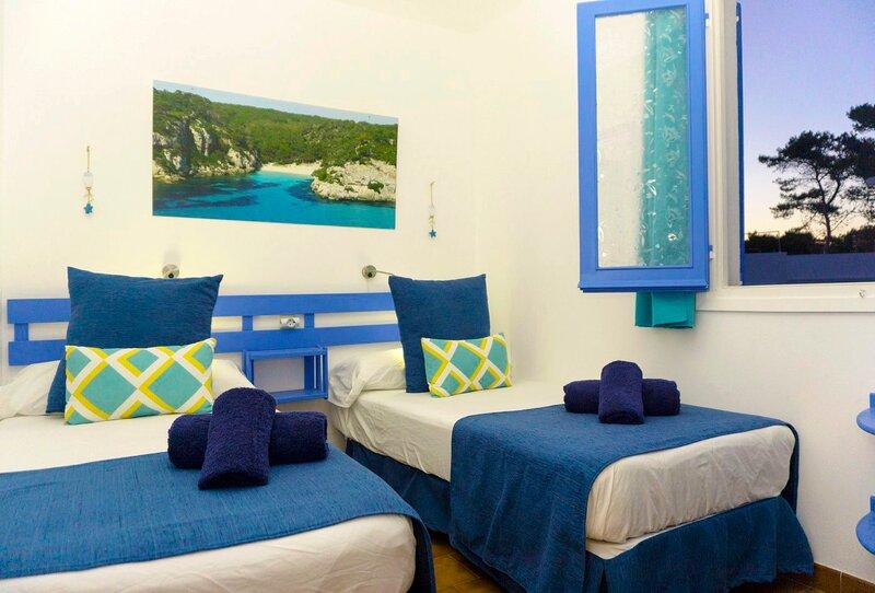 Precioso apartamento en la playa de 2 habitaciones., holiday rental in Cala Blanca