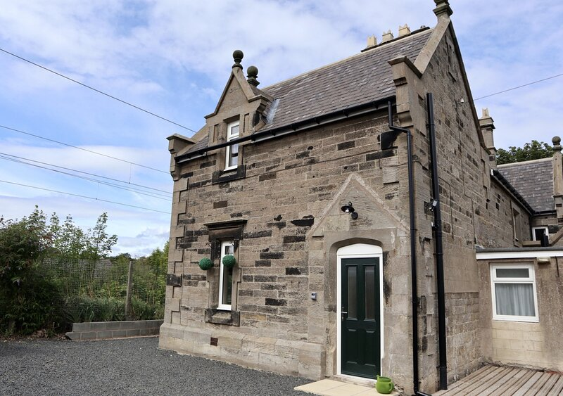 Station House, holiday rental in Rennington