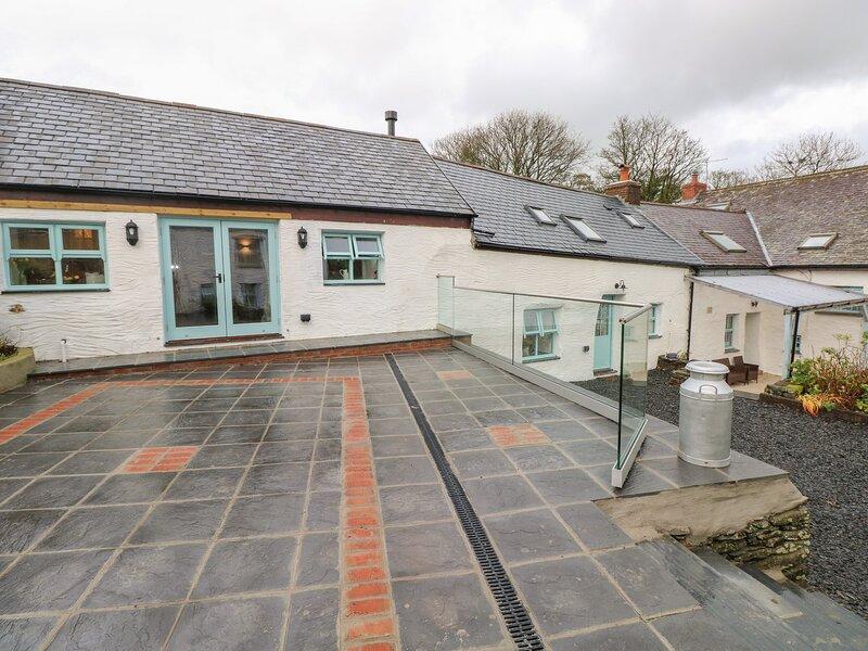 Y Beudy, Newport, Pembrokeshire, holiday rental in Moylegrove