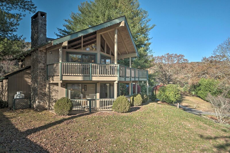 NEW! Mountain Haven w/ Views - Hike, Raft, & Golf!, holiday rental in Sky Valley