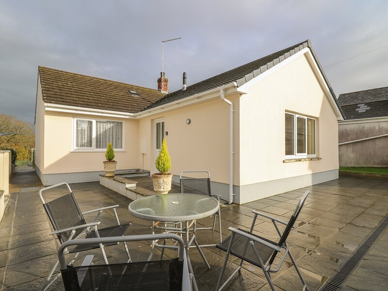 Avalon, Cilgerran, holiday rental in Cilgerran