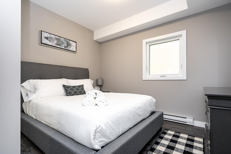 #13|Sprawling 2 Bdr in APARTHotel | Parking Available| Osborne Village, casa vacanza a Winnipeg