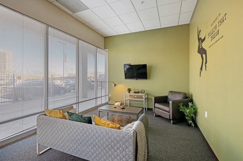 Spacious 4-Bedroom Suite, location de vacances à Saint Louis
