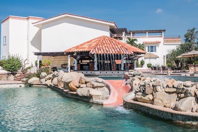 Relaxing Villa + Pool + Gym, holiday rental in La Joya