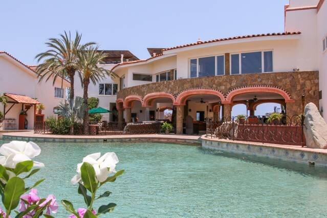 Resort  Suite + Pool + Gym, holiday rental in La Joya