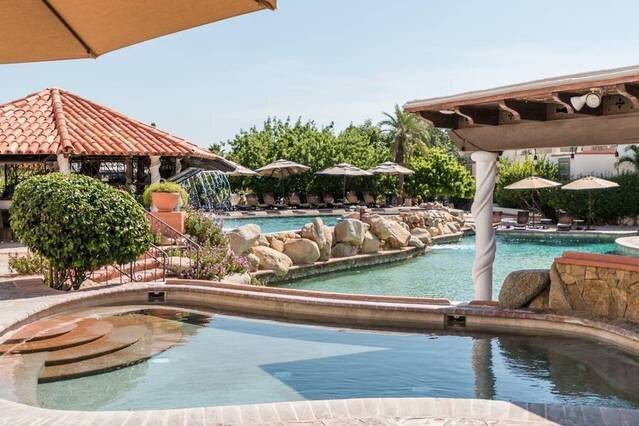 Relaxing Suite + Pool + Bar, holiday rental in Cabo San Lucas
