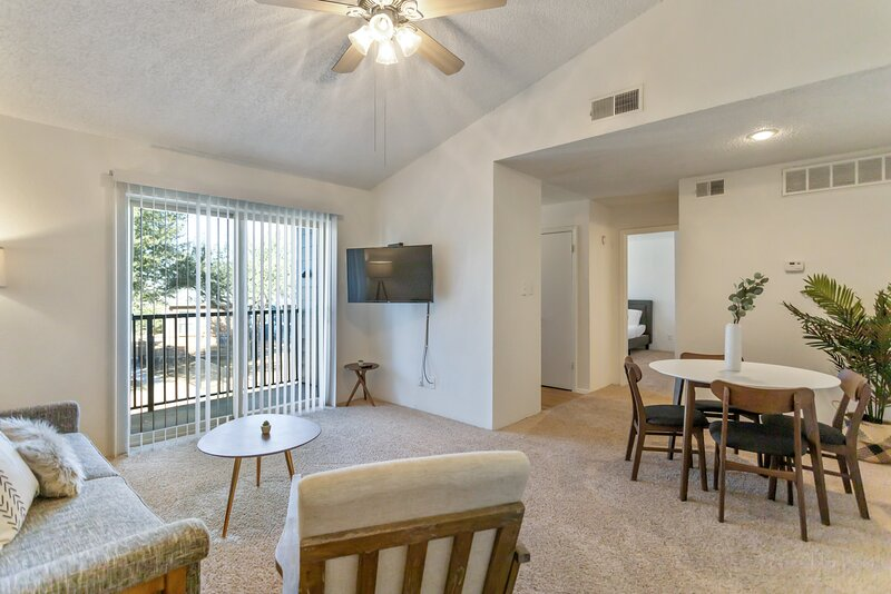 Modern Suite in the Heart of Midland!, vacation rental in Odessa