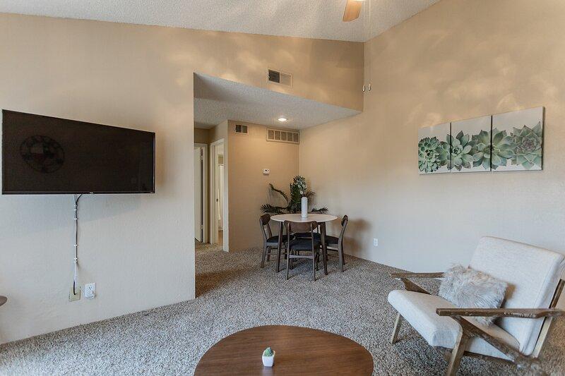 Brand New Midland Flat + Pool, vacation rental in Odessa