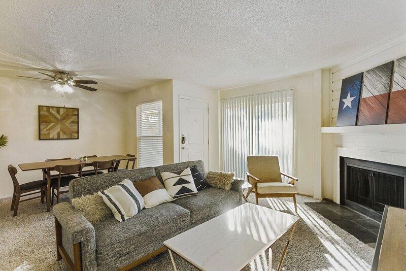 Modern Home  in the Heart of Midland, alquiler de vacaciones en Barrett