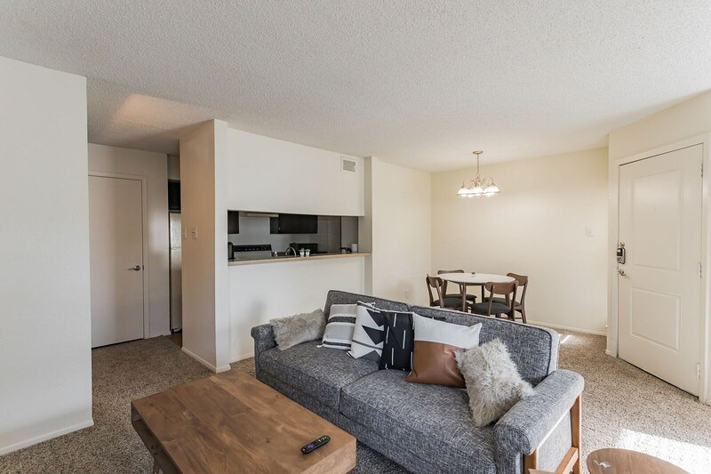 Brand New Midland Suite, holiday rental in Odessa