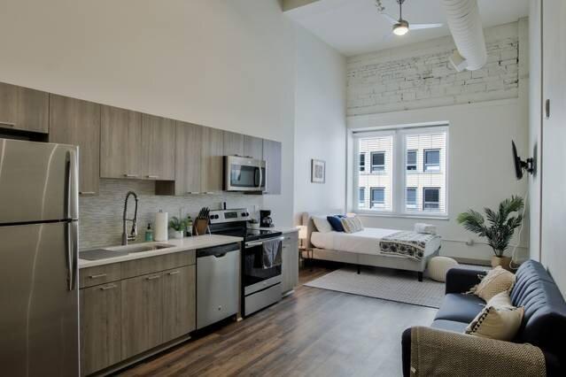 Brand New Lux Loft in Downtown Wichita, vacation rental in Wichita