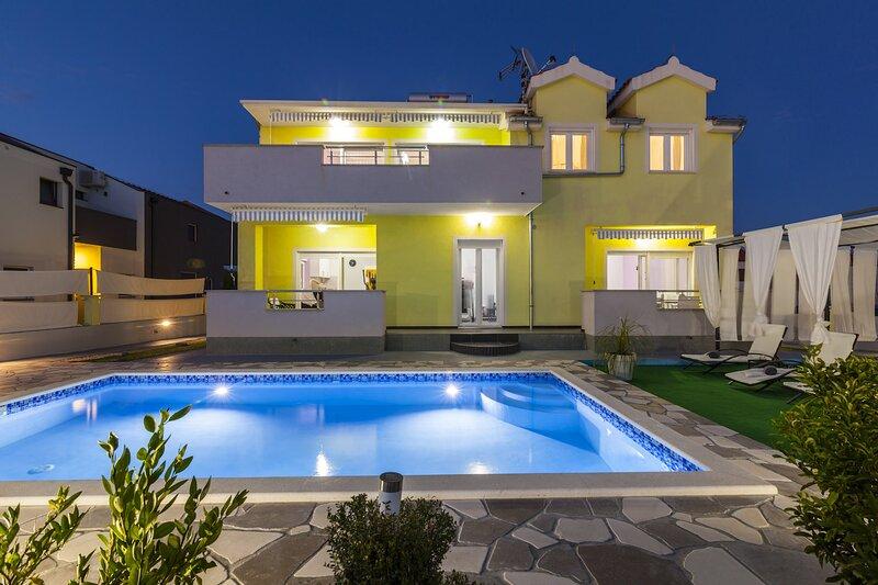 Poolincluded Villa Anny, alquiler de vacaciones en Krapanj