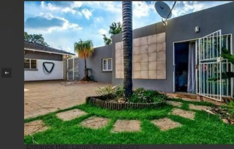 Lior-Gil Accomodation. Stay with us in comfort. Your home away from home., holiday rental in Modderfontein