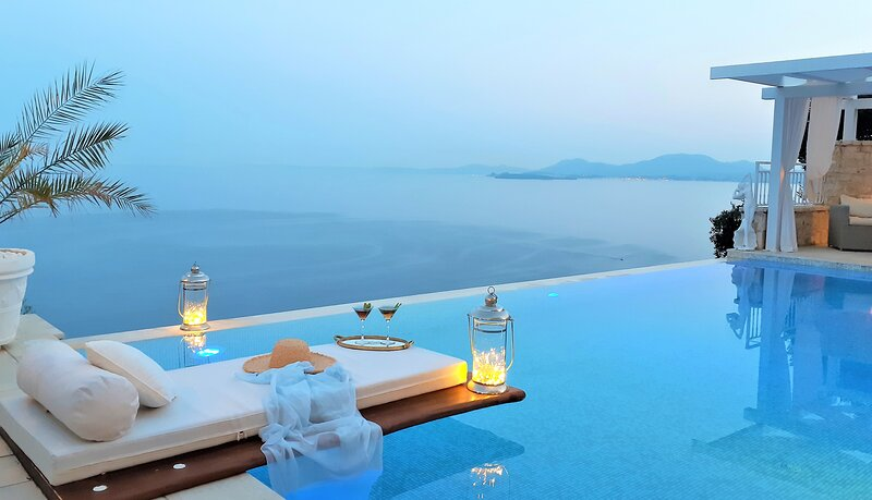 Agni bay,NEcoast,luxurious secured&privac/pool/WiFi/AC/smartTV&Netflix/BBQ/beach, holiday rental in Corfu