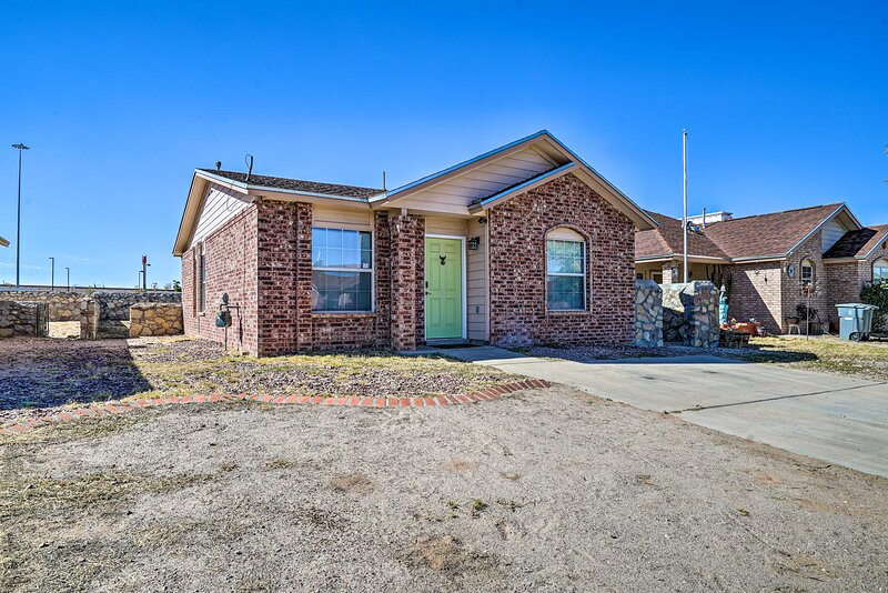 NEW! Updated El Paso Home w/ Yard: Walk to Dining!, holiday rental in Colonia Juarez